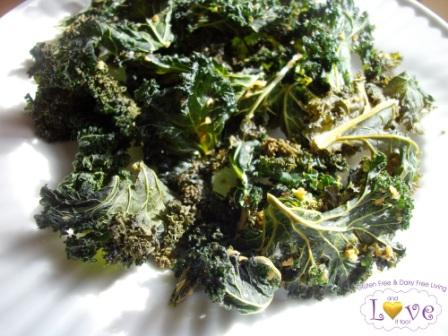 Ingredient-Challenge Monday, Vegan Garlic Kale Chips