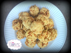 Paleo Garlic Cheese Biscuits