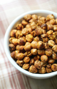 Pumpkin-Spice-Roasted-Chickpeas-5